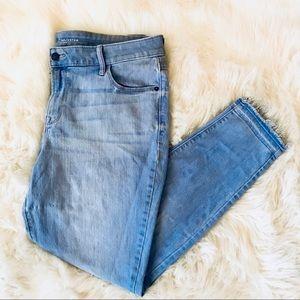 Light-wash Raw-Edge Rockstar Jeans